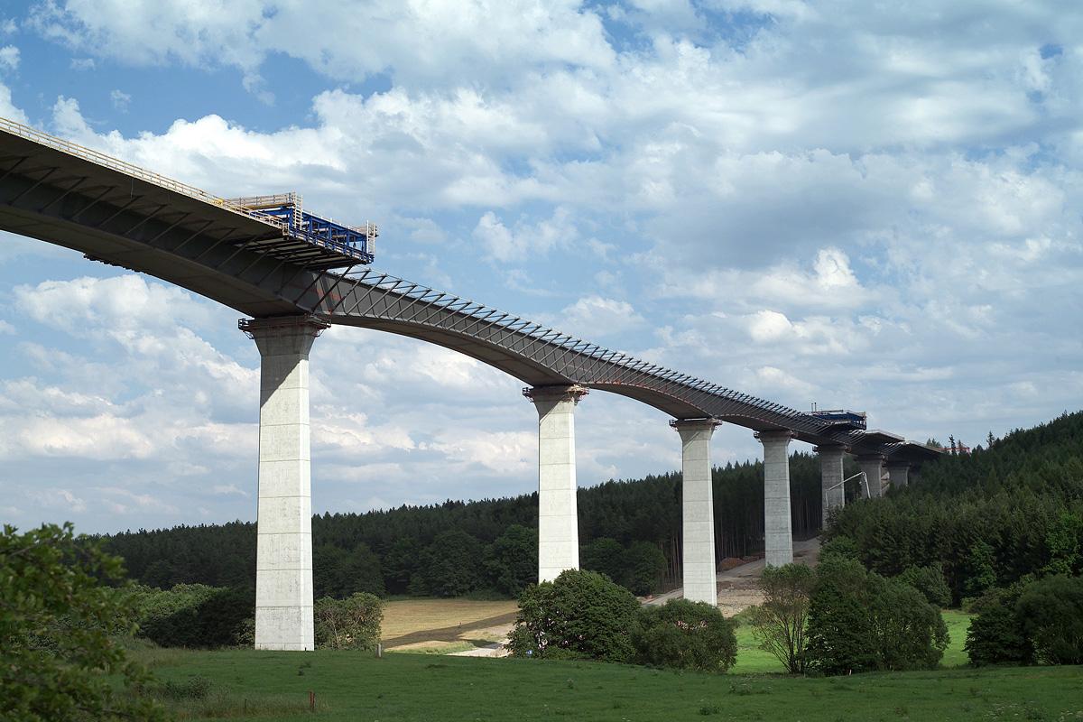 Brücke über das Reichenbachtal