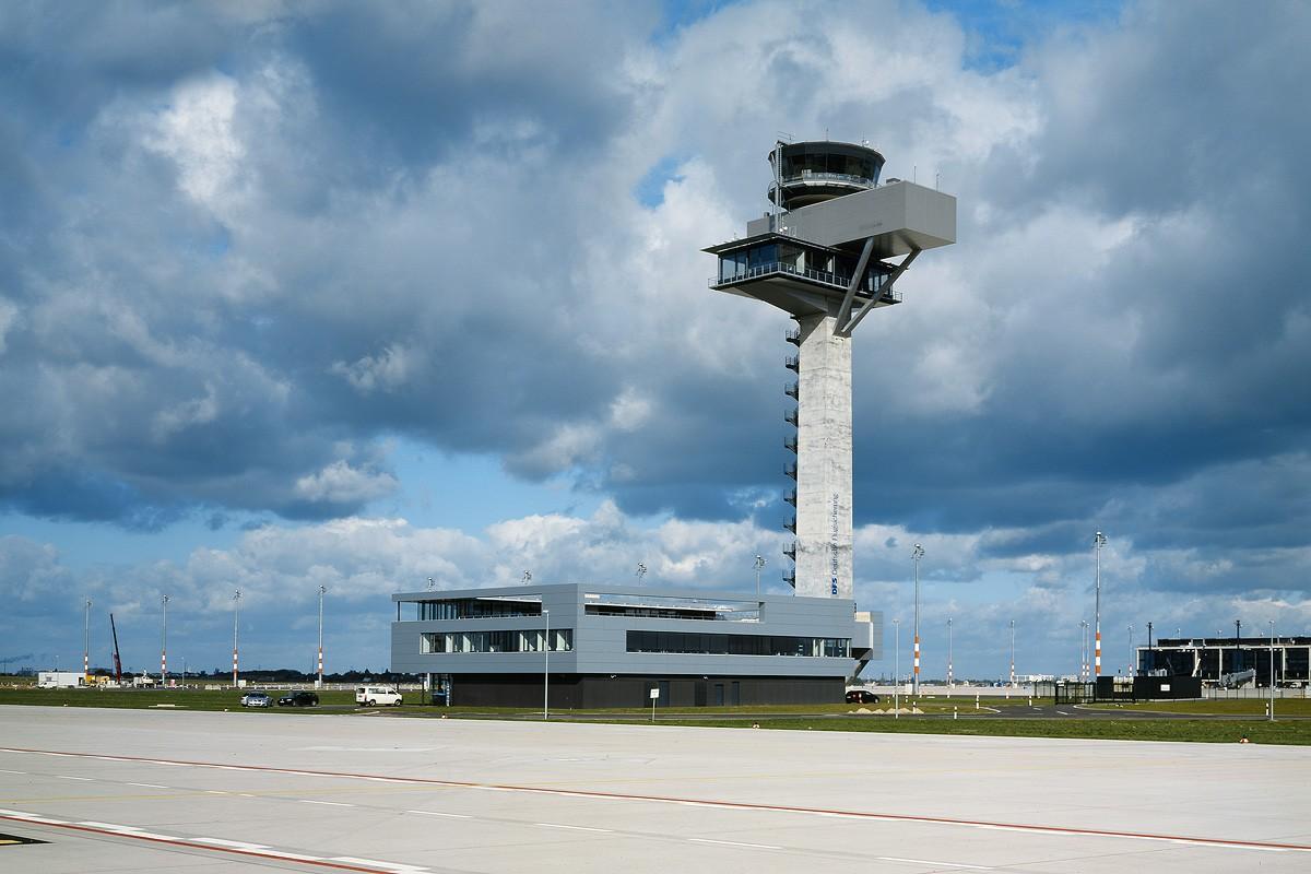 Flughafen-Tower Berlin